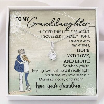 granddaughter-necklace-to-my-granddaughter-necklace-card-gift-Ep-1627701802.jpg