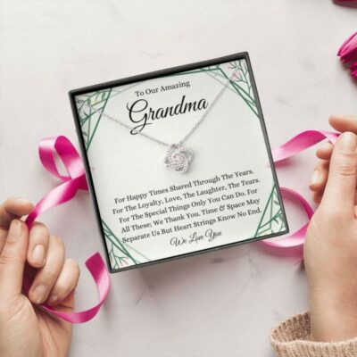 to-our-amazing-grandma-necklace-gift-for-grandmother-from-grandchildren-On-1628243970.jpg